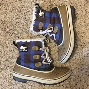Sorel blue plaid snow boots